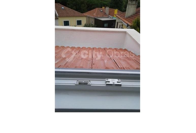 Remodelação geral de vivenda telhas