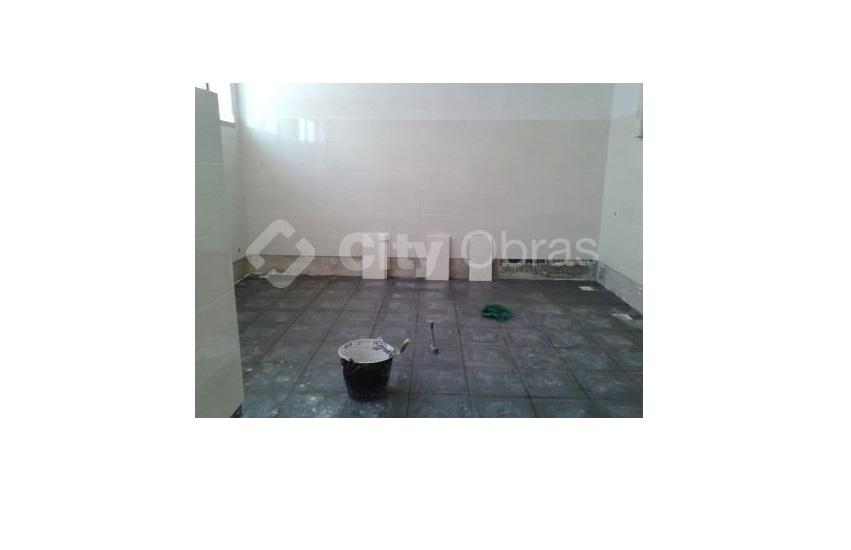 remodelação de casa de banho em escola