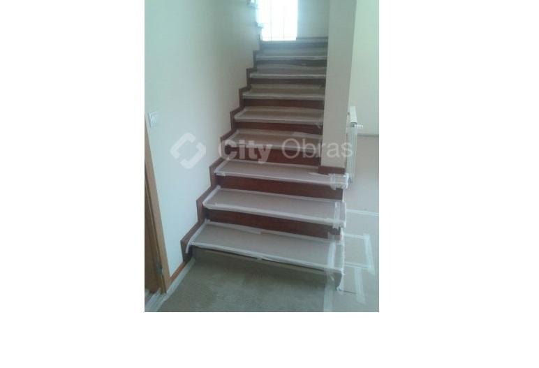 remodelação de escadas em interiores