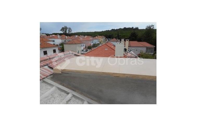 remodelação geral de vivenda aplicação de água-furtada em cobertura