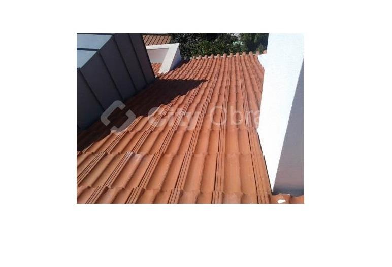 substituição de telhas em cobertura